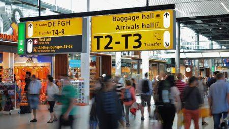I Chiaroscuri – Rispetto per i viaggiatori. A partire dalla crisi di Ryanair