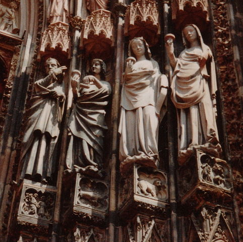 482px-France_Strasbourg_Cathedral_Wise_virgins_and_Christ