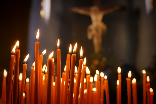 candles-2903063_640
