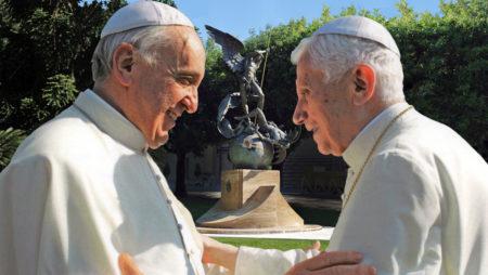 I Chiaroscuri – La croce di papa Francesco