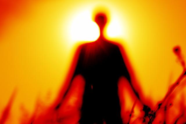 silhouette-1304141_640
