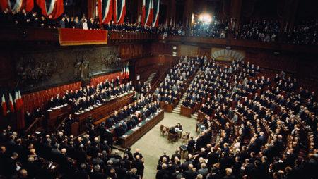 I Chiaroscuri – La trattativa per il nuovo governo: la tragedia e la farsa
